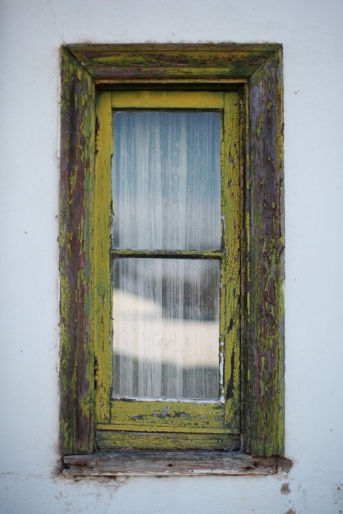 Urana Window Frame