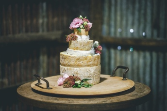 Milawa-Cheese-Company-Wedding-Cake