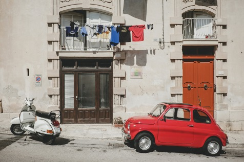 Old Fiat 500 and Vespa