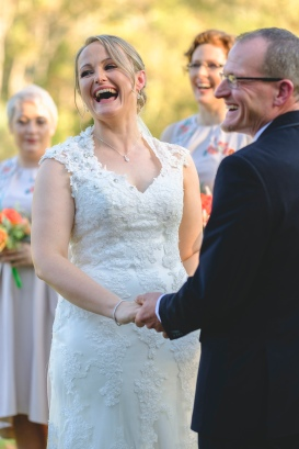 wedding-photographer-in-bright